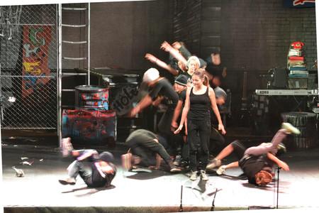 Breakdance Streetlight Musical