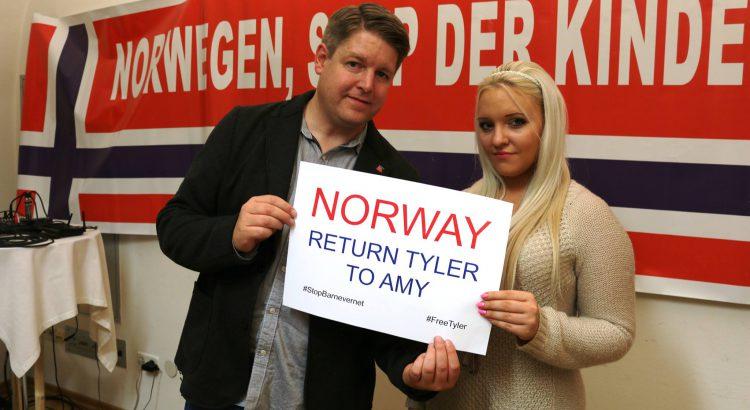 ERF Redakteur Björn Korf mit Amy J.