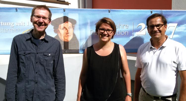 Imo Trojan im Gespräch mit Pfarrerin Marianne Pratl-Zebinger und Kurator Gerhard Petritsch