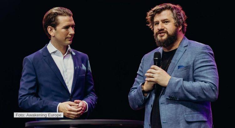 Prediger Ben Fitzgerald mit Altkanzler Sebastian Kurz